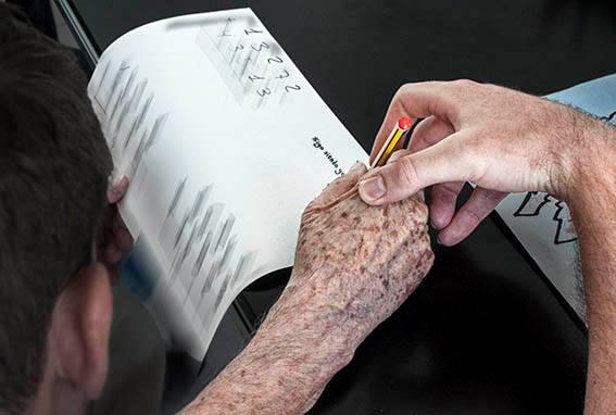 Las familias de enfermos piden al Gobierno que dote de presupuesto al Plan Integral de Alzheimer